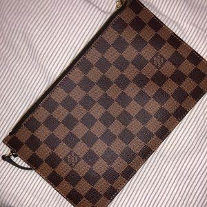 Louis Vuitton clutch in Damier Ebene/cherry